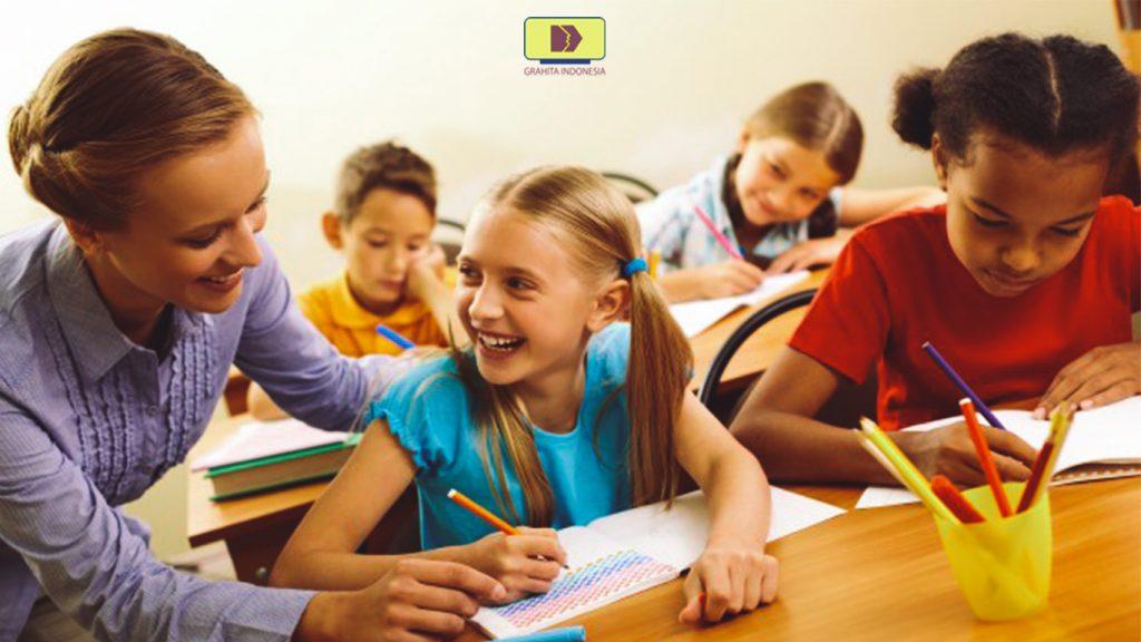 Tuntutan Pendidikan Zaman Now, Siapa yang Harus Lebih Kreativ? Guru atau Murid?
